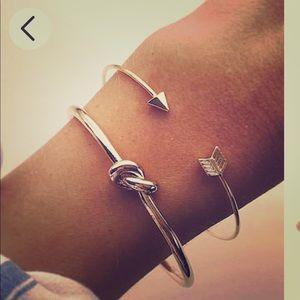 Jewelry - Gold Arrow & Knot Bracelet Set / (OS) NEW!!
